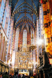 The stunning interior of the Basilica