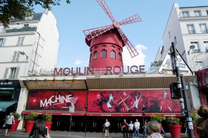 Iconic Paris - Moulin Rouge cabaret