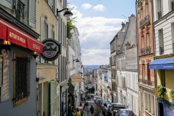 The view from Rue Tholozé in Montmartre