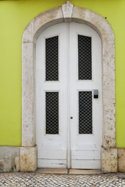 I'm a sucker for the colorful doors of Lisbon