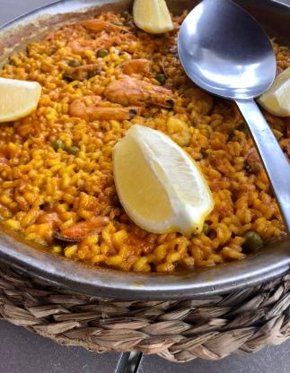 Paella lunch at Bar Ocaña near Mirador de San Nicolas
