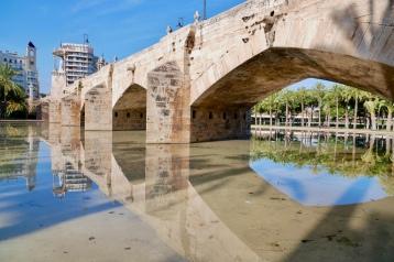 Pont de la Trinitat bridge in Turia Park